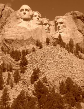 Mount_rushmore_in_the_afternoon