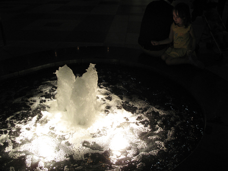 Sarahrossiter_fountain_losangeles__2008