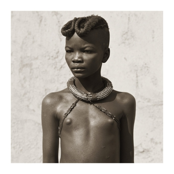 1_himba_20girl_20with_20ochre_20braids_