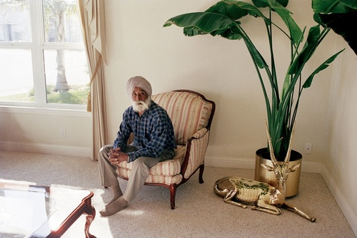 In_the_home_of_avtar_singh_gill__yuba_city_2001