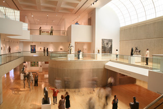 Palm_springs_art_museum_interior_photo_2010