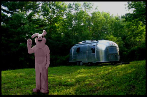 Bunny_and_airstream4d