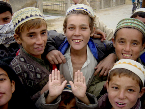 006_72ppi_five_kids_in_khodja_10_28_01