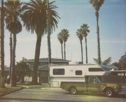 Camper_truck