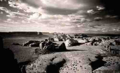 Aernout_overbeeke_-_monument_valley__arizona_1997