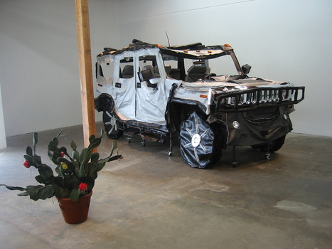 Hummer_with_cactus