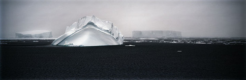 Grounded_iceberg
