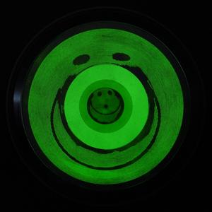 Smiley_noir__phosphorescent__lit2