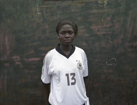 Bamako_soccer_girl_4b