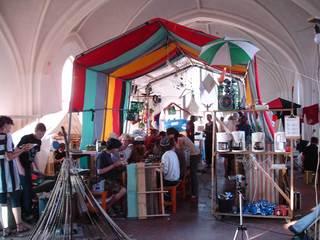 Tentshow1