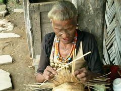 Konyak_making_basket1
