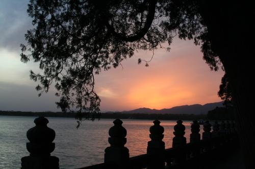 Img_1375_sunset_perspective_lisa_nanakorn