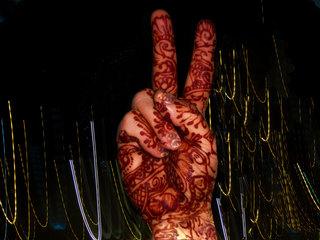 Henna-peace-hands_web