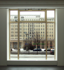 06_1of3_front_windows
