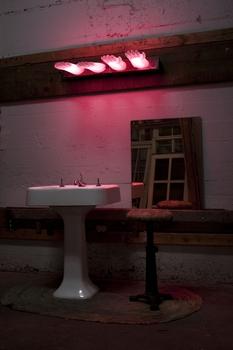 20100809100932-the_vanity_lights