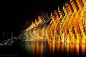 20100813030037-painting_music_with_light_3