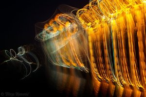 20100813030424-painting_music_with_light_4