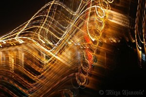 20100813030830-painting_music_with_light_4u