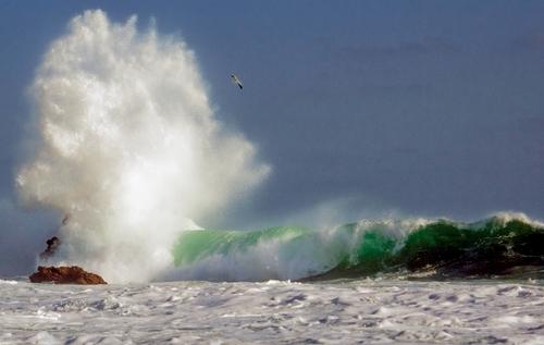20100824154323-surfplosion_si