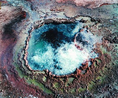 20100826153947-geyser_1small