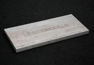 20100901181439-uebermodels