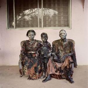 20100902025930-hugo_pieter-2008-patience_umeh_junior_ofokansi_chidi_chukwukere_enugu_nigeria-423