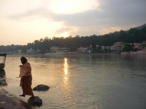 20100906093303-sadhu
