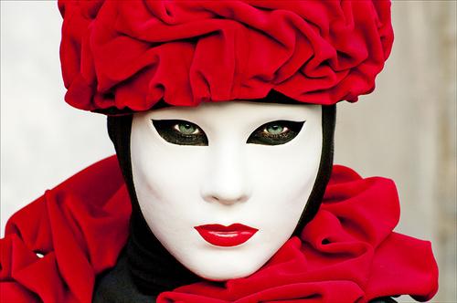 20100909124401-green_eyes_carnival_venice_2010