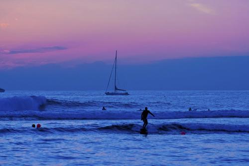 20100913060032-surfing_in_twilight