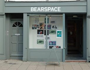 20100924150314-bearspace_front