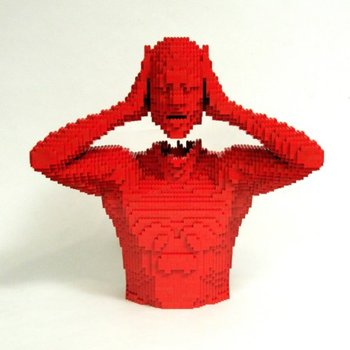 20100925103913-red_head_lego