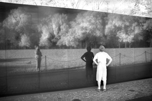 20101003013408-vietnam_wall_memorial