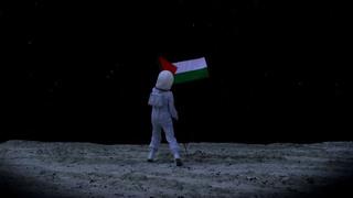 20101013051131-larissa_sansour__space_flag__c-print__ed_of_10_45_x_80_cm__2009