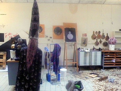 20101019095817-roberts-studio-shot