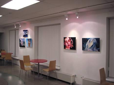 20101025120315-exhibition
