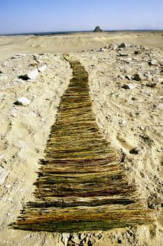 20101117025539-stairway