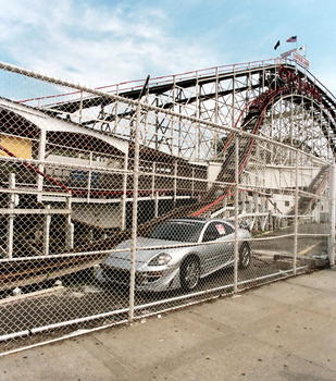 20101129175438-coney_cyclone_automobile_transportation_sociology_culture_art_photoraphy_2010