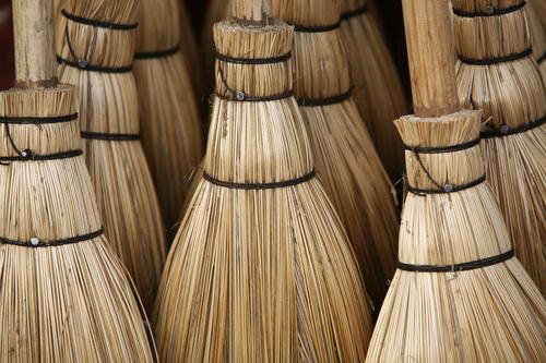 20101221080719-brooms