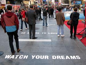 20110110084518-the-walk-of-fake-07