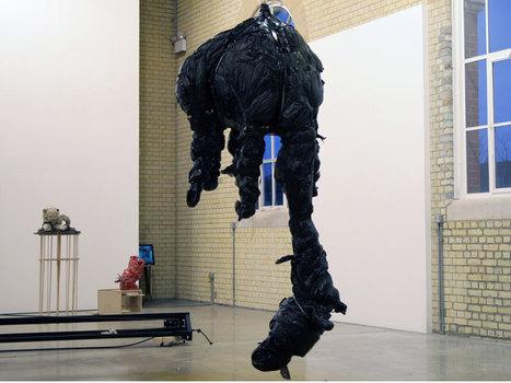 20110116153411-hero-hanging