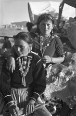 20110119122910-navajo_women_at_laguna_-_parkhurst