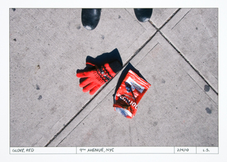 20110125190000-stillman_found_glove_red_9thavenue