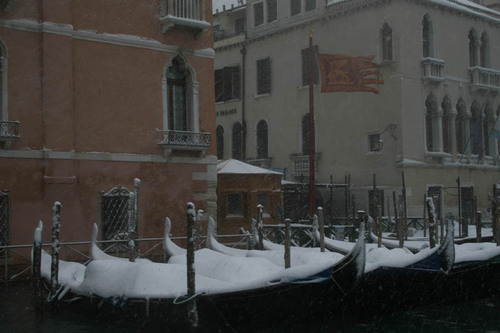 20110125221830-beckwith_gondolas_in_snow