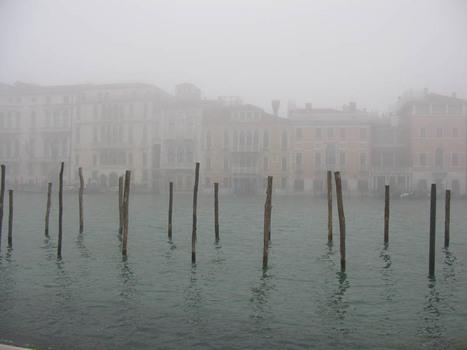 20110125223015-beckwith_foggy_laguna