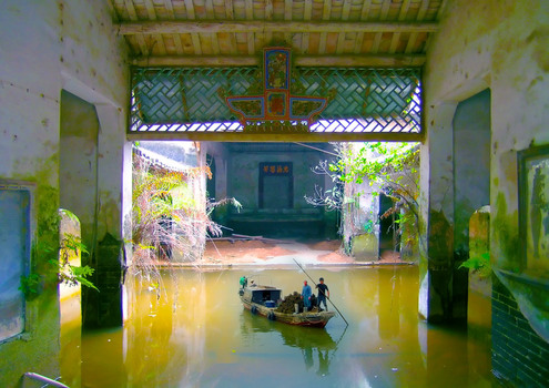 20110128000329-oyster-fishers-harvesting-in-an-abandoned-farmhouse-in-ping-shan-2004