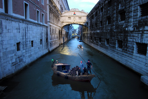 20110128000837-venice-oyster-fishers3