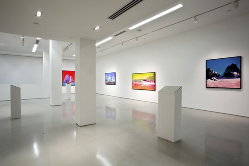 20110128113121-zawada_installation_view_b