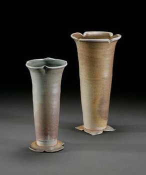 20110204073230-trumpetvine_vases_2