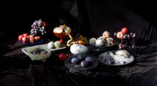 20110205044701-pomegranates