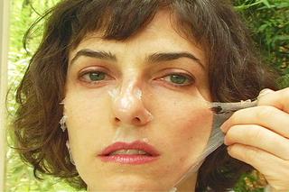 20110216115001-face_peel